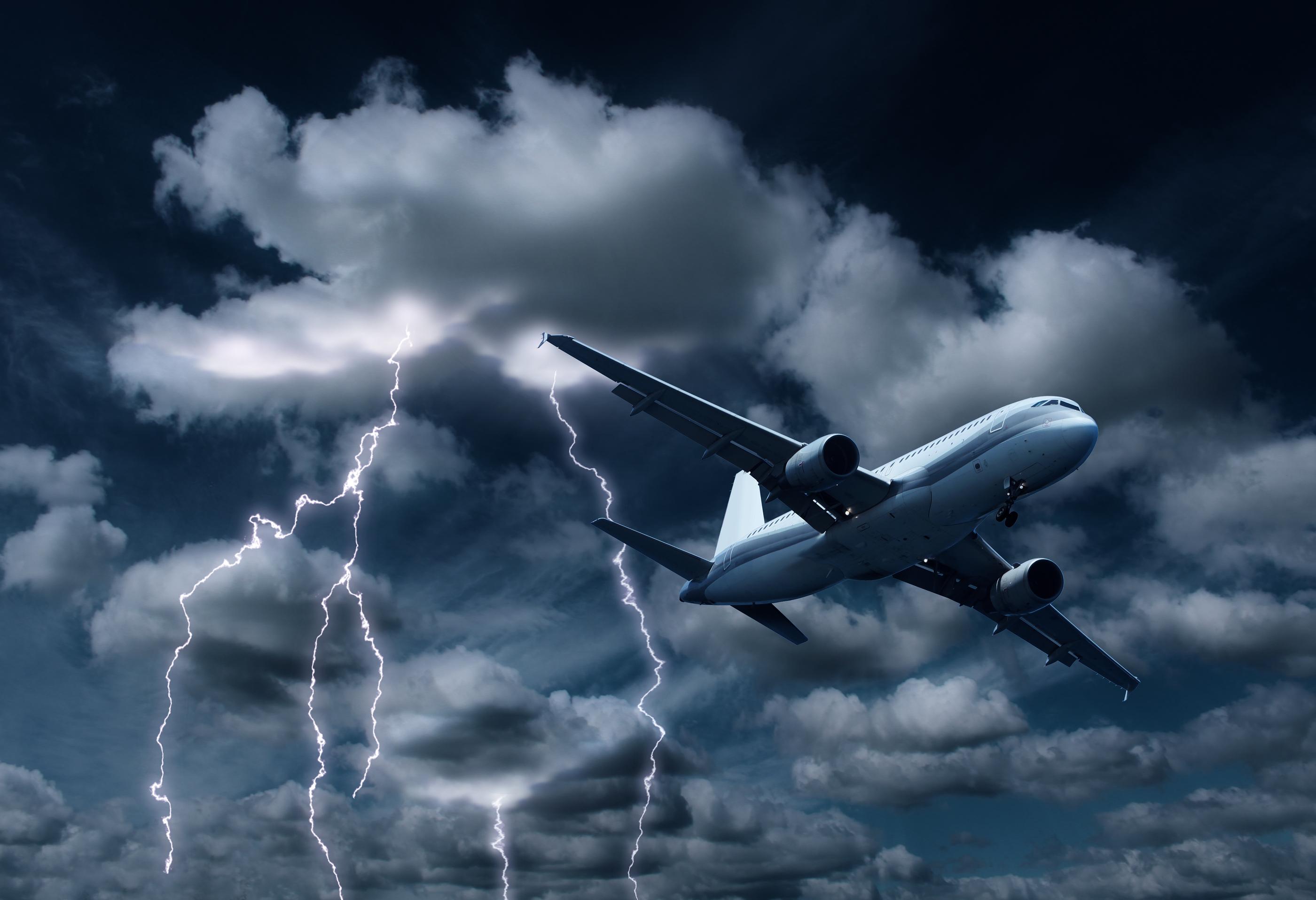 4 невероятные истории спасения в авиакатастрофах